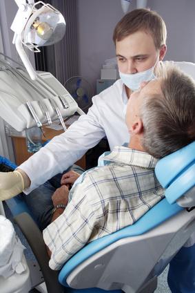 איך ניתן לטפל בשן בינה כלואה