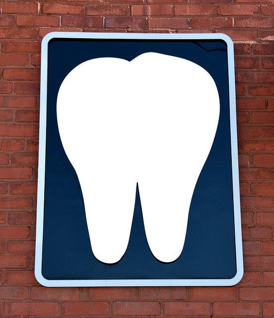 השתלות שיניים – כיצד בוחרים את הרופא הרלוונטי עבורנו
