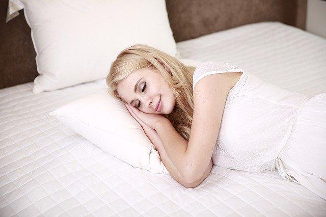 מאביזרים ועד הרגלים: כך תשפרו את איכות השינה